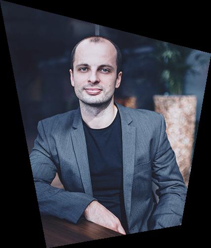 Michal Mikuš, profesionálny prekladateľ z angličtiny a nemčiny